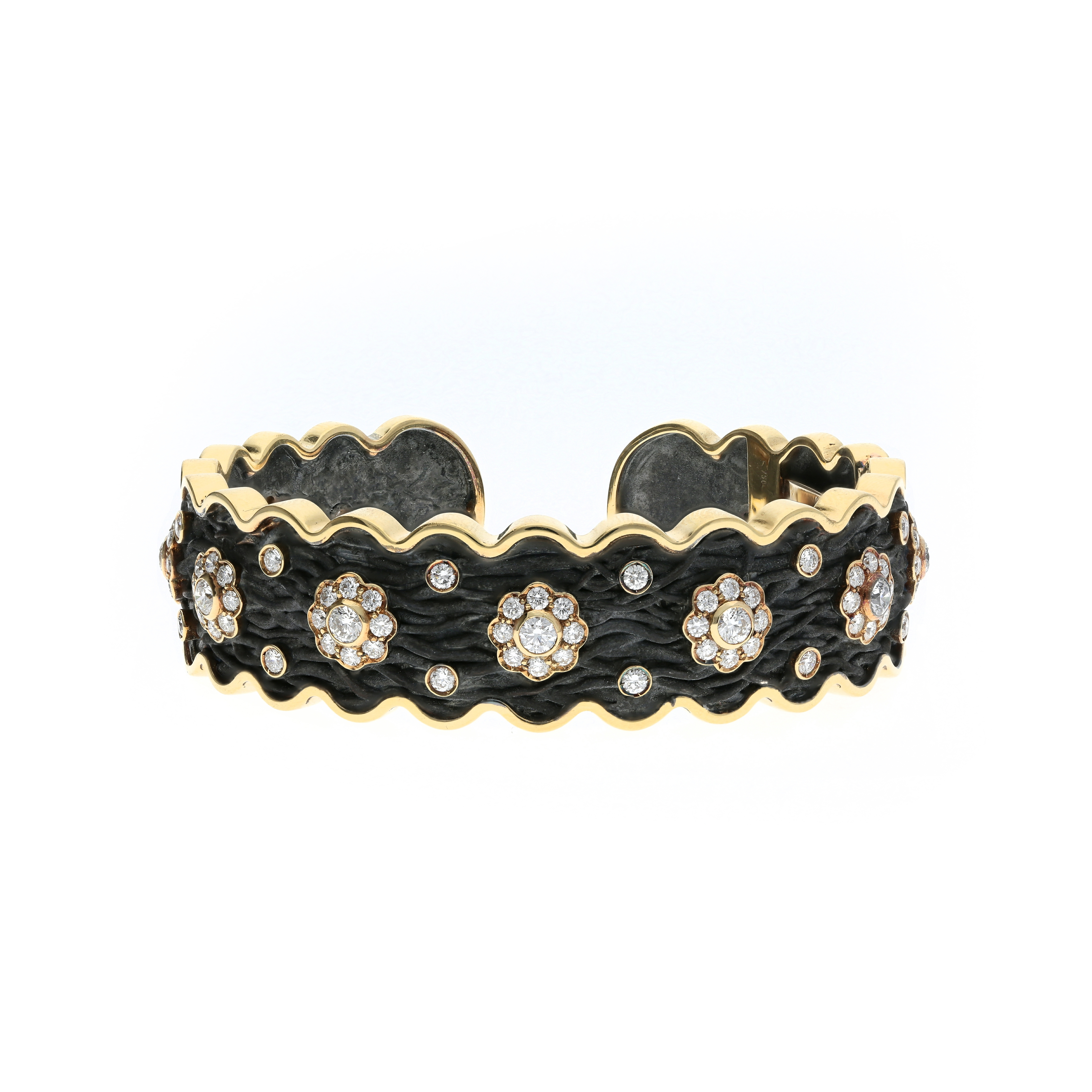 Roots Collection Cuff bracelet oxidized silver and 18kt yellow gold with diamonds